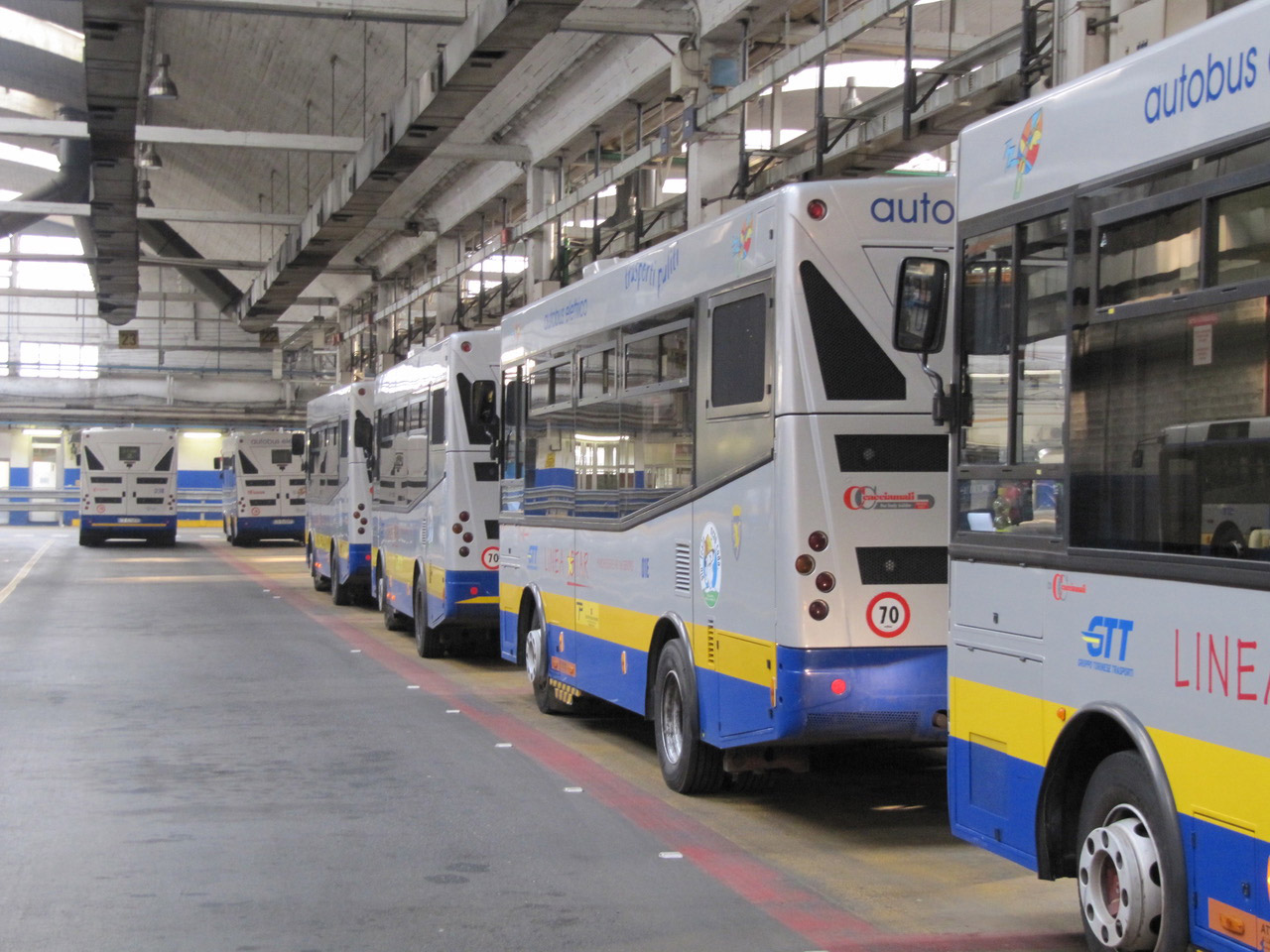 Largest wirelessly charged electric bus fleet in Europe